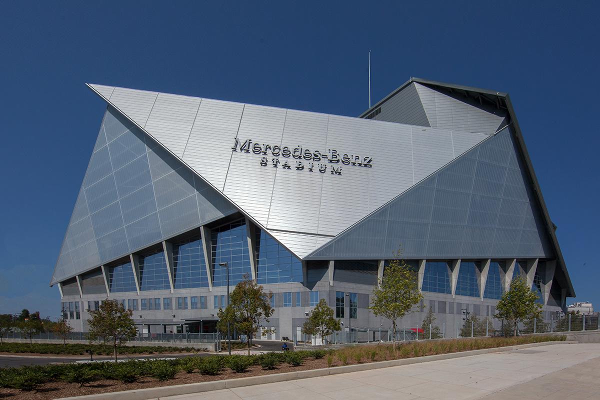 Miami in focus photo gallery of mercedes benz arena in for Hotels near mercedes benz stadium atlanta